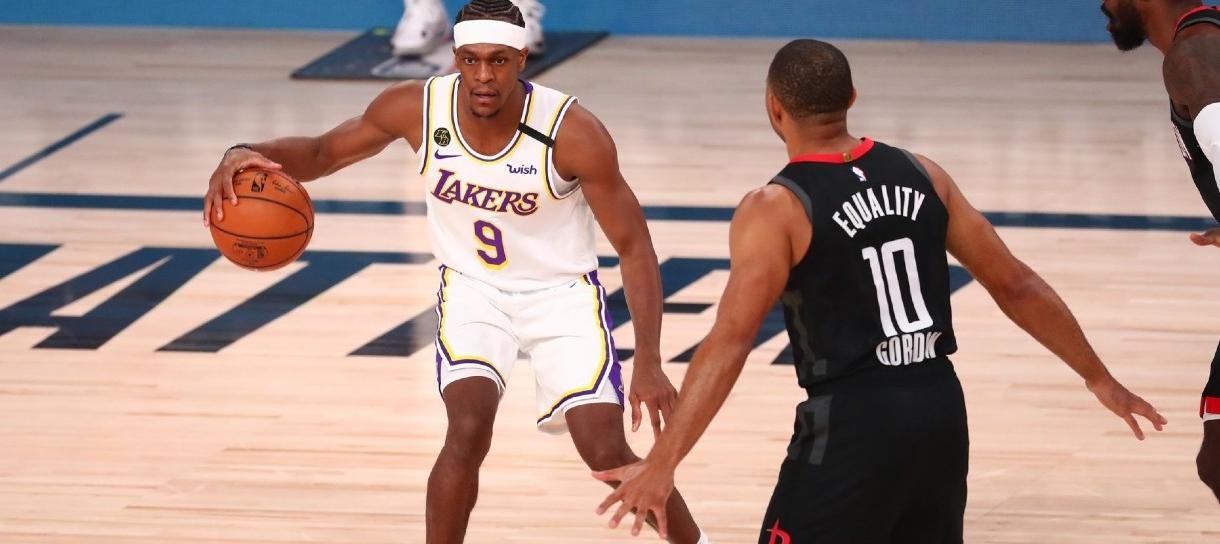Lakers enfrenta Rockets para abrir vantagem na série